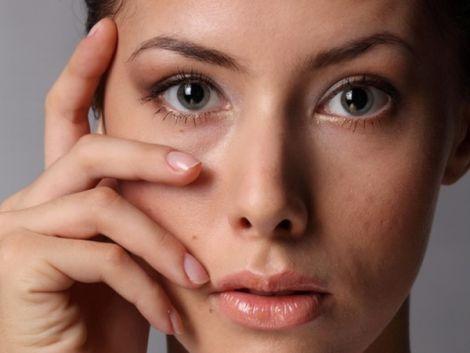 Чотири простих способи позбутися мішків під очима