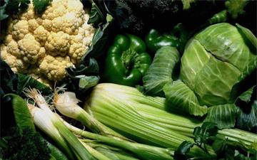 зелені овочі та фрукти мусять бути у вашому щоденному раціоні