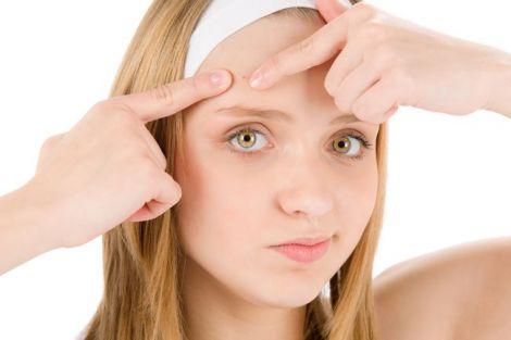 Зайва нервозність- одна з причин видавлювання прищів