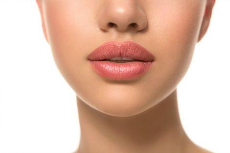 Підготовка до перманентного макіяжу губ