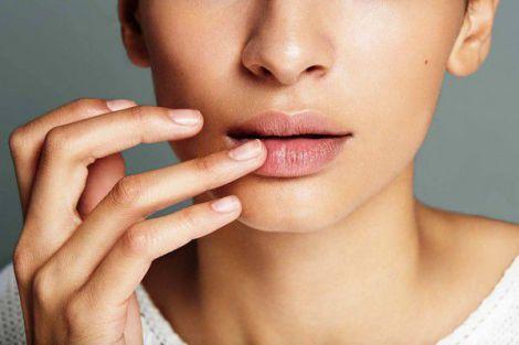 Захищаємо губи в холодну пору року