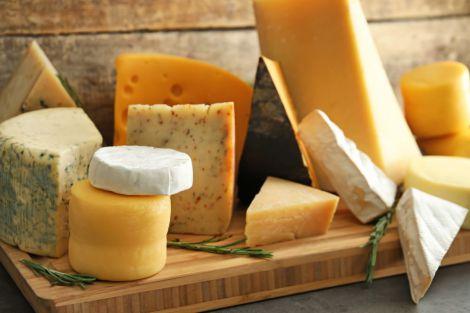 Експерти розкрили небезпеку сиру