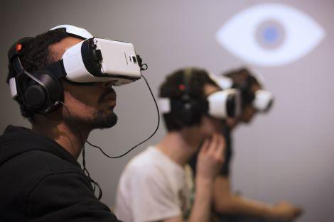 Віртуальна реальність позбавить від болю