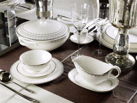 Як правильно сервірувати стіл на 12 персон? (ВІДЕО)