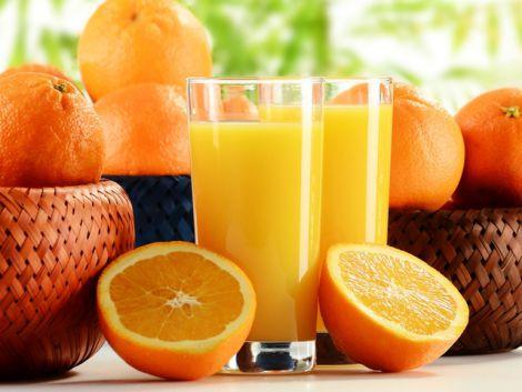 Апельсиновий сік допоможе при переїданні