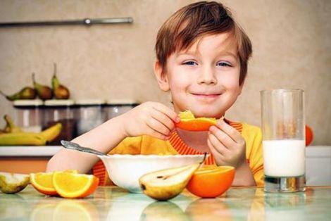 Іедально буде перекусити йогуртом, яблуком або ж кефіром.