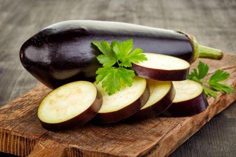 Чому корисно їсти баклажани?