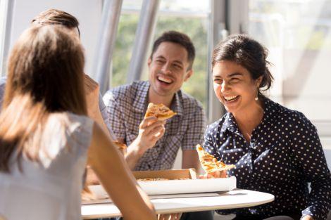 Зі стресом допоможе впоратись сміх