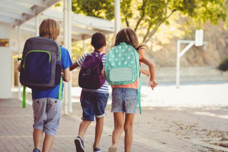 Скільки повинен важити рюкзак школяра?