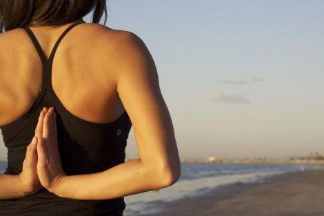 Вправи, які позбавлять від сутулості (ВІДЕО)