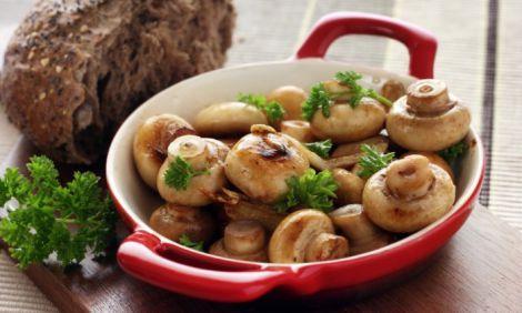 Не варто повторно розігрівати гриби