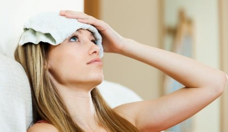 Холодный компресс может облегчить головную боль