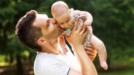 Для здоров'я дитини батькові треба добре харчуватись