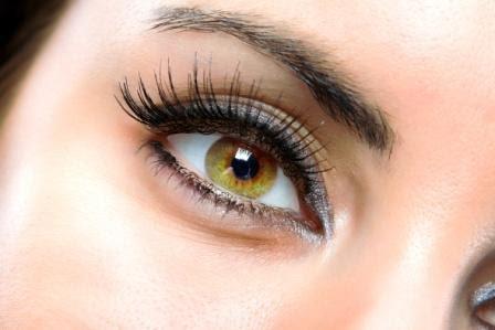 Народні рецепти проти зморшок під очима