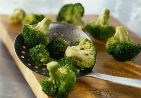 Підварені броколі