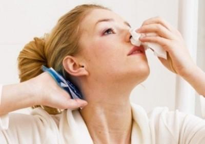 Як надати допомогу при носовій кровотечі - знає Доктор Комароський