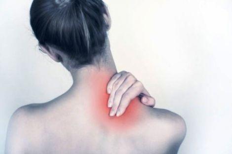 Як втамувати біль у шиї?