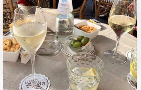 Вчені: швидко схуднути допоможе келих вина