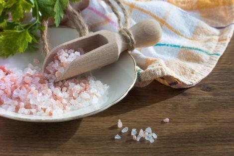 Лікування застуди з допомогою солі