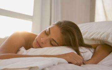 Коли ви спите голяка, то спрощуєте доступ повітря до шкіри і прискорюєте процеси її регенерації