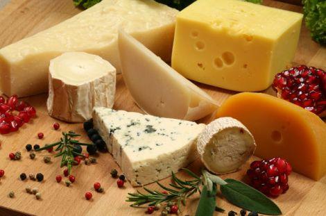 Вживання сиру корисне для слуху людини