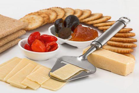 Користь жирних сирів