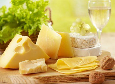 Сир захистить зуби від карієсу