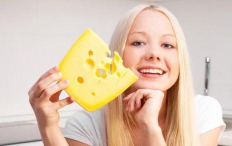 Сир може вберегти зуби від карієсу