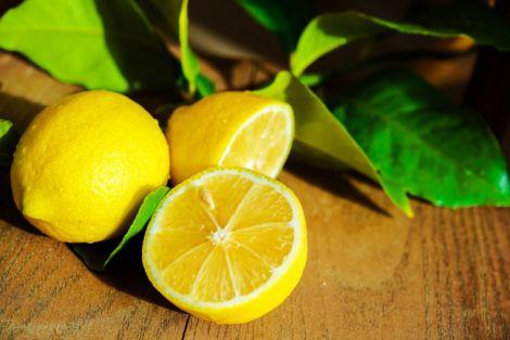 Лимон позбавить від болю в суглобах