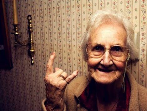 Жінки живуть довше