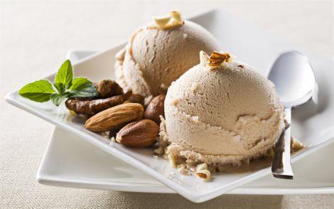 Горіхове морозиво
