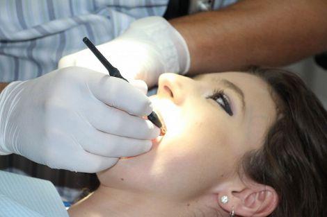 Простий спосіб заощадити на лікуванні зубів