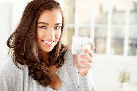 Очищуємо організм гарячою водою
