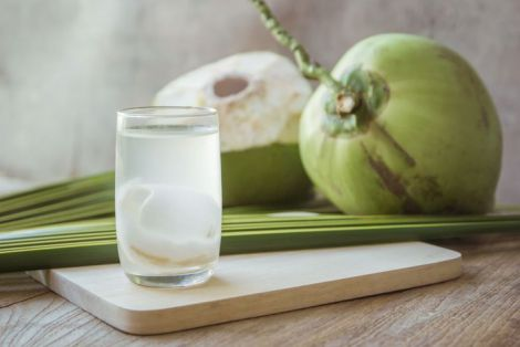 Корисна кокосова вода