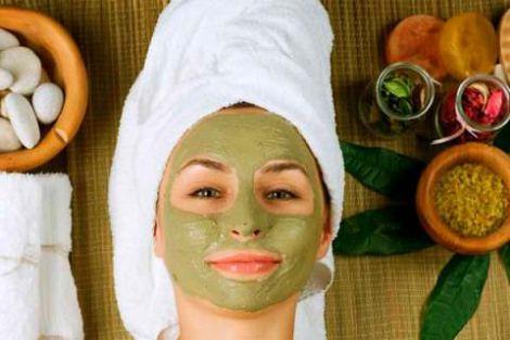 ТОП 3 маски із зеленою глиною для тонізації шкіри