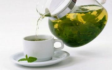 М'ятний чай випивай при болях у животі
