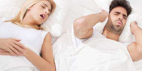 Хропіння провокує проблеми з диханням