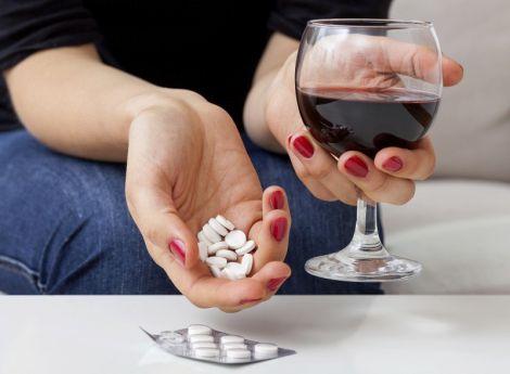 Антибіотики не можна поєдувати з алкоголем