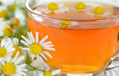 Пийте ромашковий чай для красивих очей