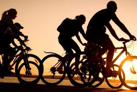 їздити на велосипеді на роботу корисно для здоров'я