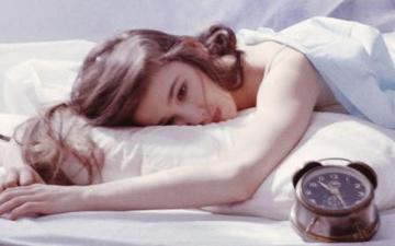 жінки важче переносять недосипання