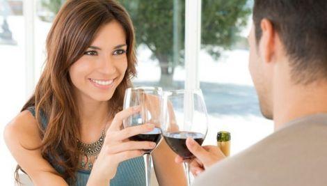 Що приваблює чоловіків у жінках?