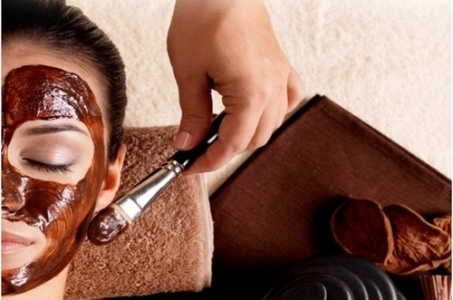 Така маска позбавить проблем зі шкірою та підтягне контур обличчя