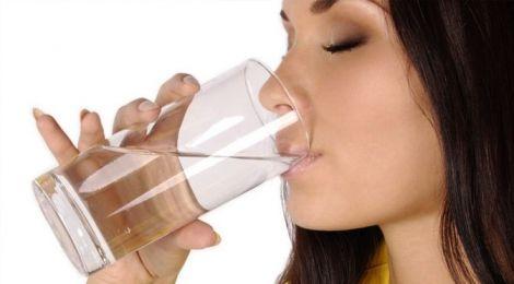 Чому потрібно пити імбирну воду?