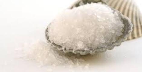 Надлишок солі шкодить не менше, ніж хвороби і прискорює старіння організму