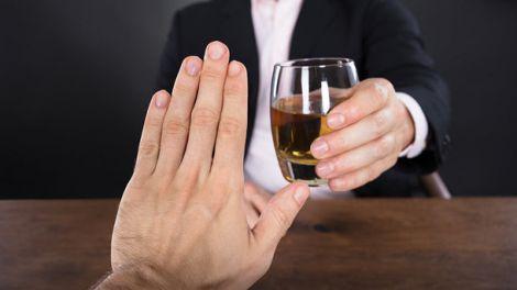 Чому потрібно відмовитись від алкоголю?