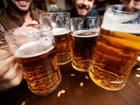 В спекотну погоду краще відмовитись від вживання пива