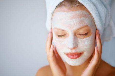 Проста та ефективна маска від вугрів