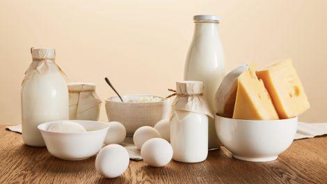 Дієтолог розповів про продукти, які зміцнюють кістки