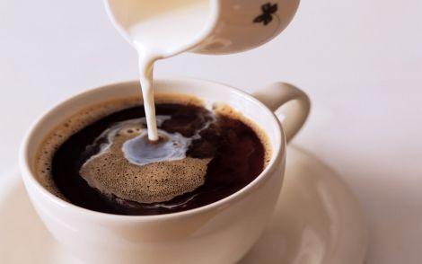 Чи корисно пити каву з молоком?